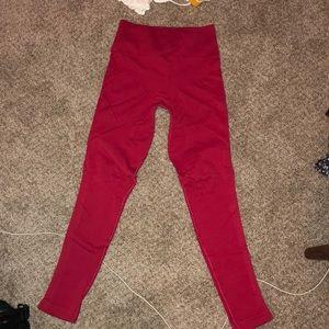 Seamless red leggings
